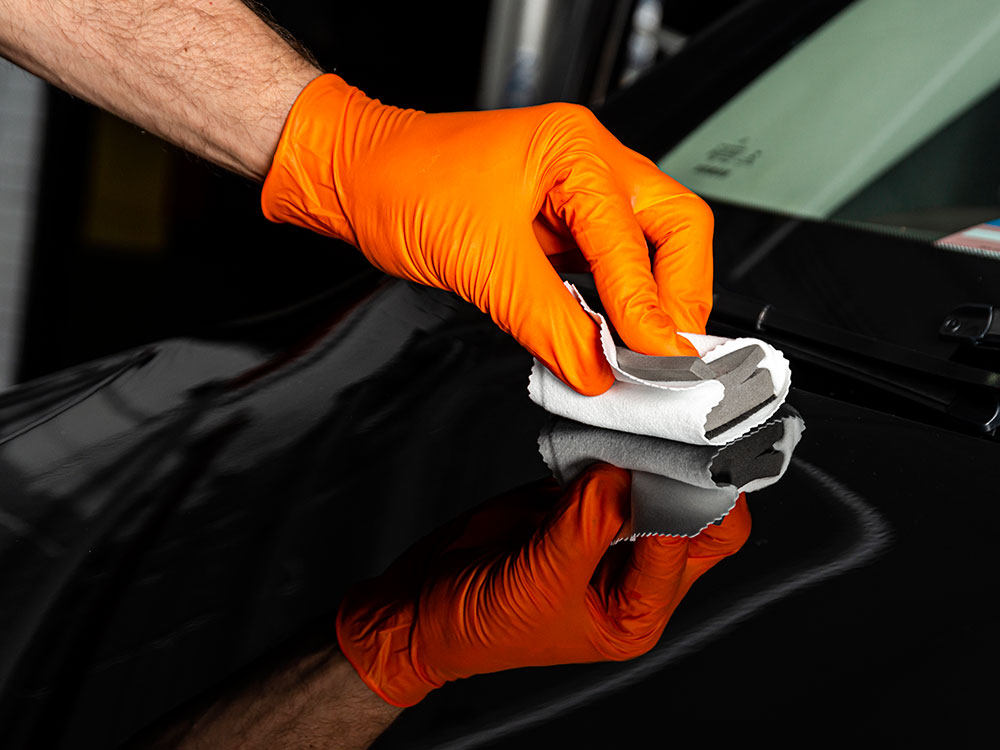 Why Is Wax and Shining Ideal for Cleaning Your Vehicle?